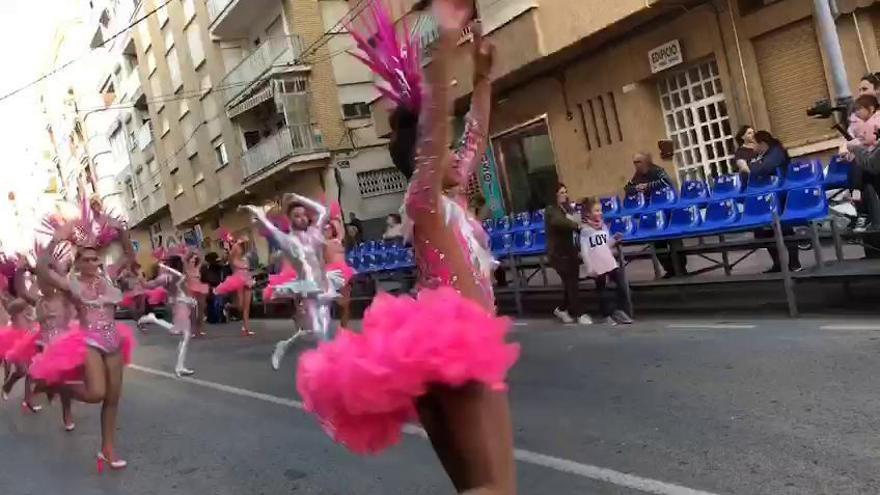 Ballet oficial del Carnaval de Águilas, peña Terpsícore con la Musa y doña Cuaresma con su peña