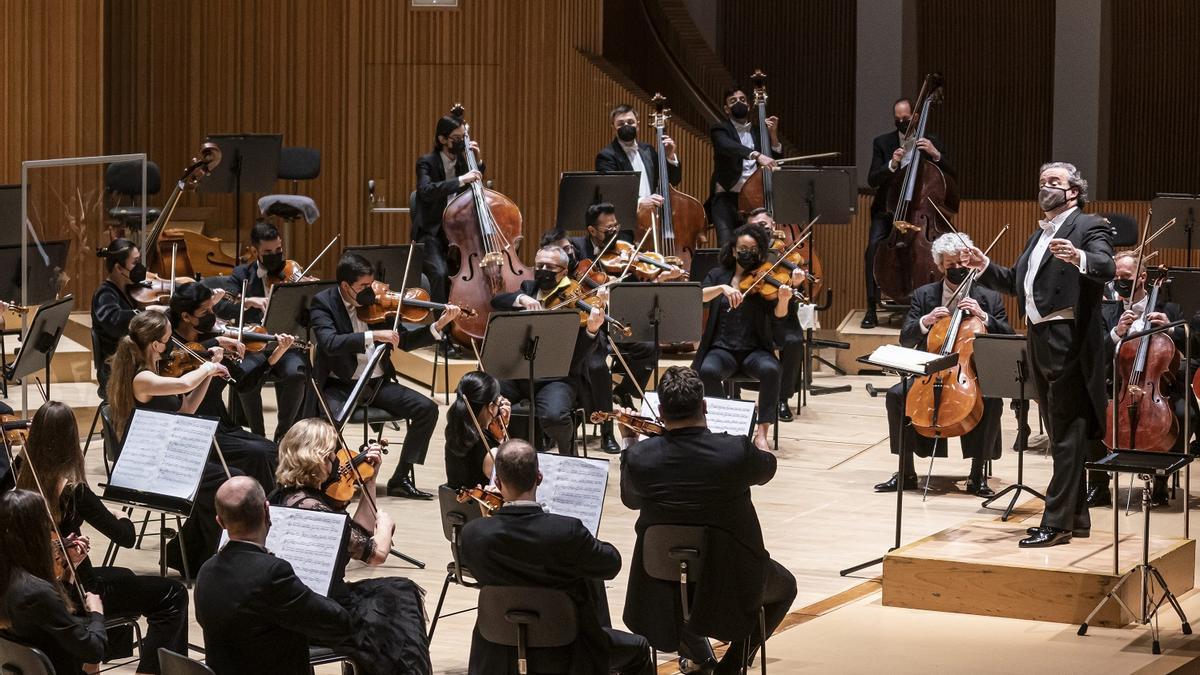 Orquestra de la Comunitat Valenciana, dirigida por Juanjo Mena