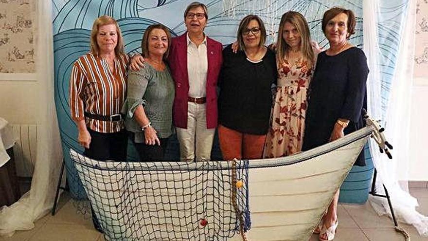 Las mariscadoras de Muros celebran el fin de la campaña