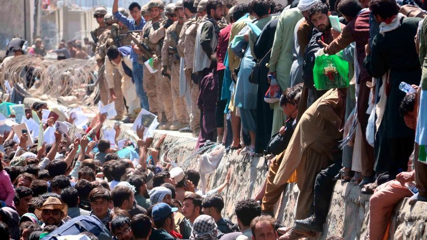 Almenys 60 morts i 140 ferits en l'atac a l'aeroport de Kabul, segons la BBC