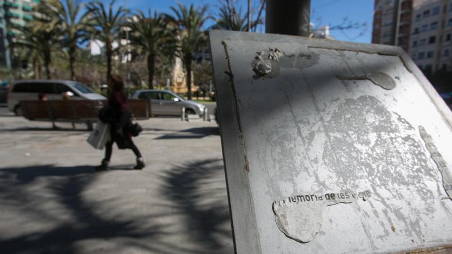 Unidas Podemos denuncia el abandono del bipartito a la placa de Miquel Grau