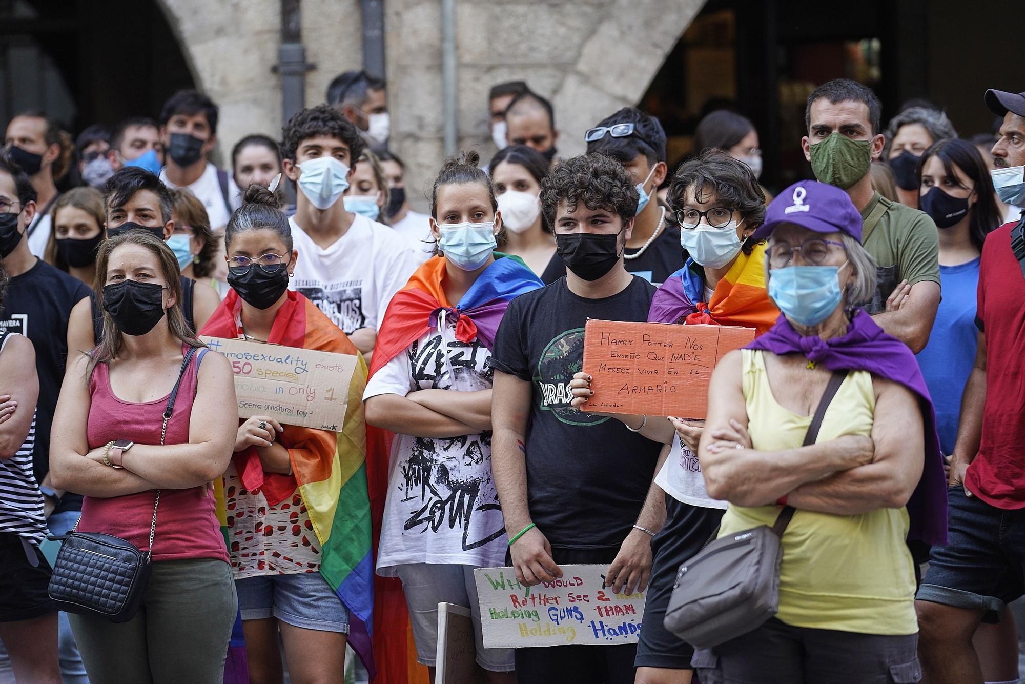 Concentració per condemnar la mort de Samuel Luiz a Girona