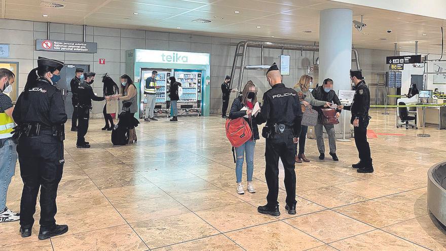 30 multas al día en el aeropuerto de Alicante-Elche