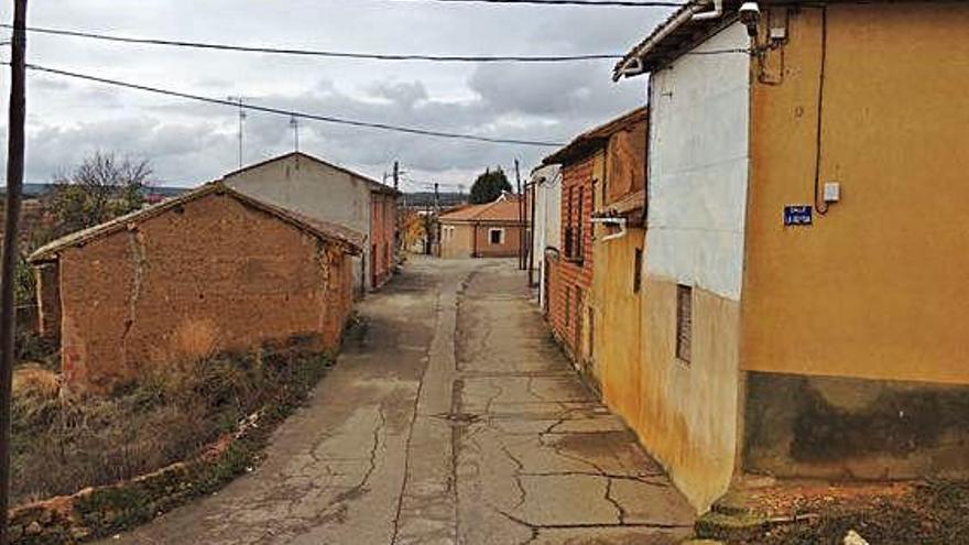 En casas de las calles Iglesia y Conventico de Santibáñez de Vidriales han actuado los ladrones