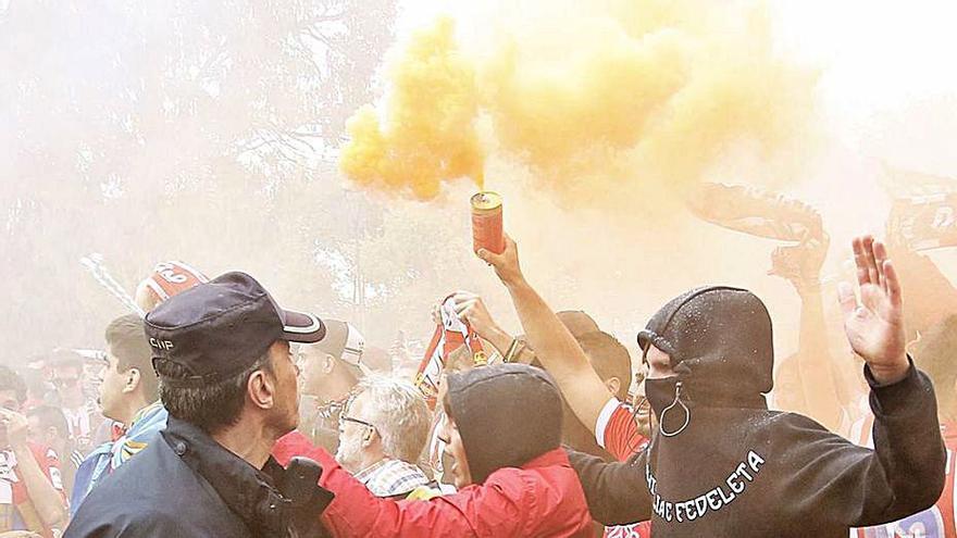 Los 15 ultras acusados por los disturbios del derbi podrán volver a los estadios