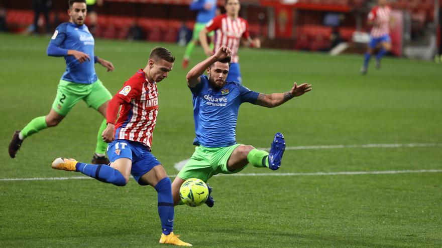 En directo: El Sporting se impone al Fuenlabrada (2-1)