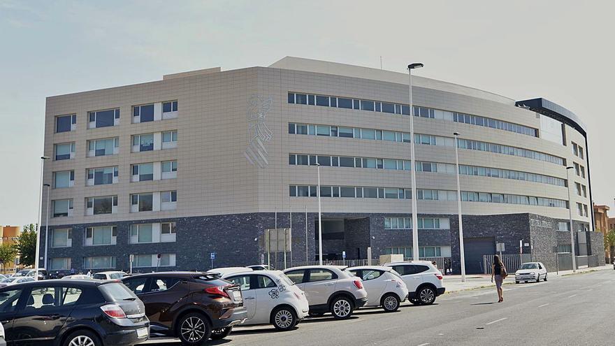Condenan a un hospital por la muerte de un paciente de UCI que se cayó de la cama