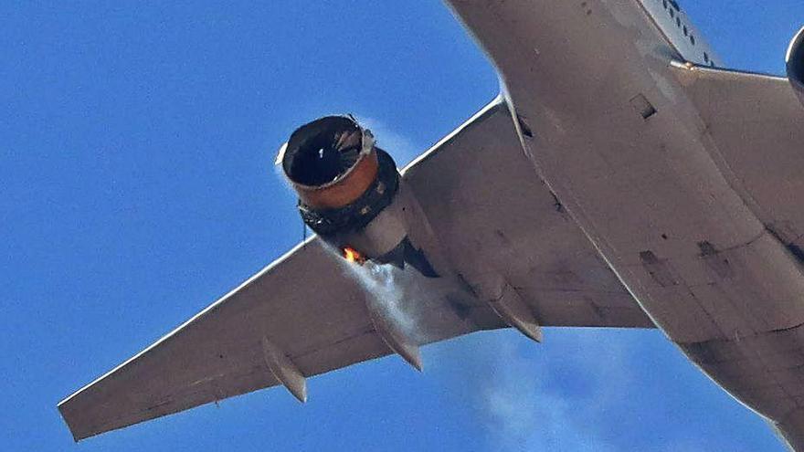 Un foc en un motor obliga a aterrar un avió als EUA