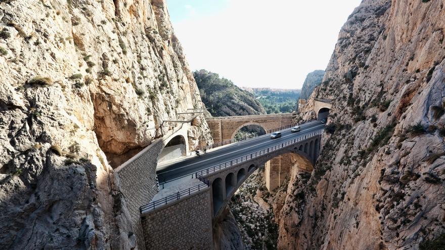La Generalitat sustituirá los viaductos metálicos del Algar y Mascarat de la Línea 9 del TRAM