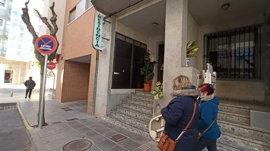 Salud Pública suspende la vacunación en una residencia de Pilar de la Horadada al detectarse un brote de covid