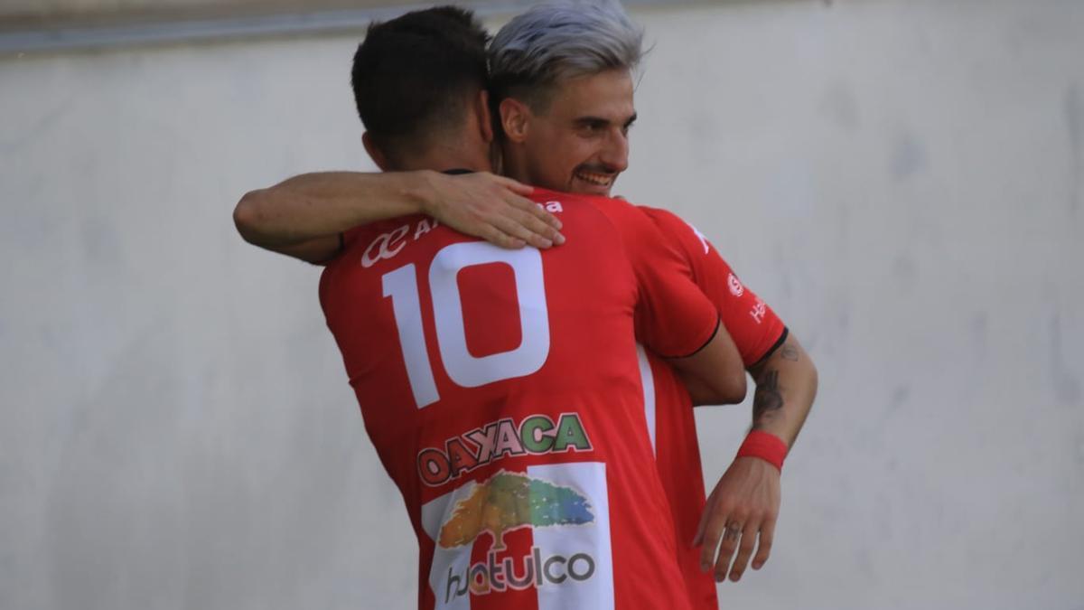 Valentín celebra el primer gol del Zamora ante la Segoviana.