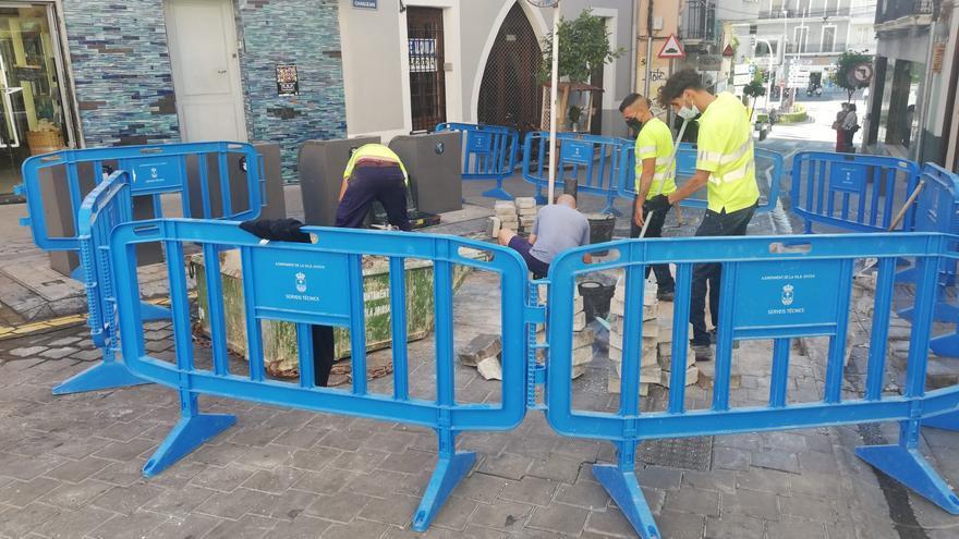 La Vila repara la plaza de la Generalitat y la calle Canalejas por el deterioro del paso de vehículos
