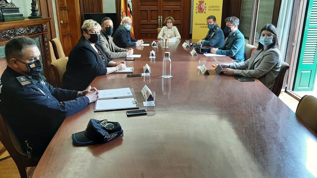Reunión del alcalde y representantes municipales de Capdepera con la delegada del Gobierno, el pasado día 14.