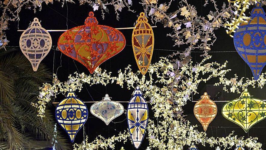 Fiestas prevé instalar casi 180 arcos con motivos navideños en Elche y pedanías