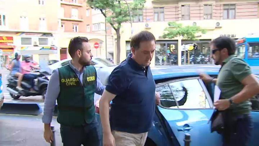 Prisión sin fianza para Villar y su hijo por lucrarse con la Federación de Fútbol