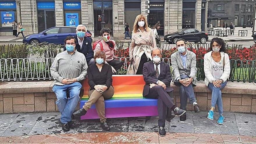 Ópera y mascarillas en el Día del Orgullo Gay más atípico