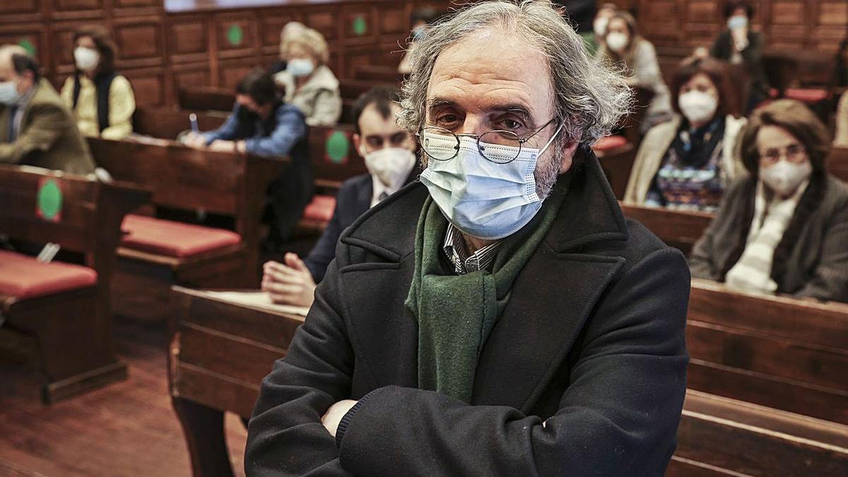 Juaristi, ayer, en el Aula Magna de la Universidad de Oviedo.   Irma Collín