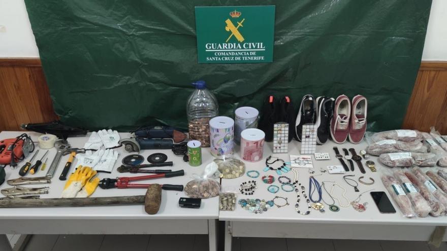 A prisión por cometer casi una treintena de robos en comercios de La Palma