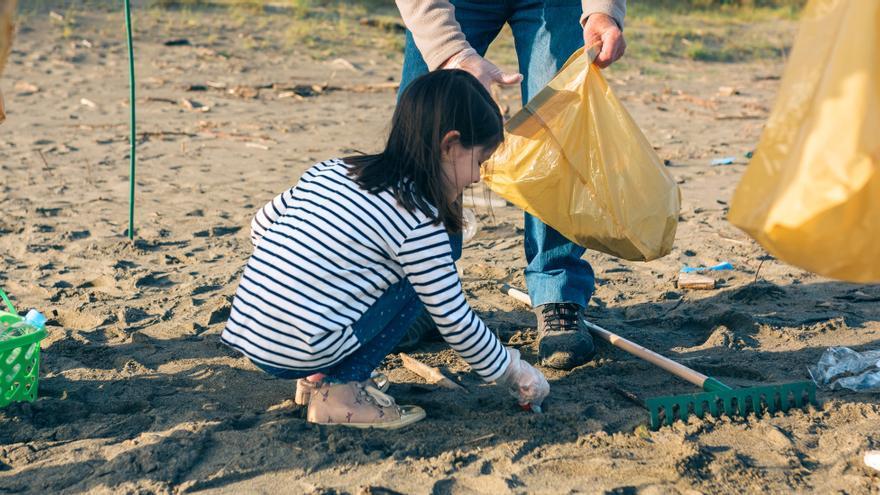 ¿Cómo ayuda al planeta la limpieza de las playas?