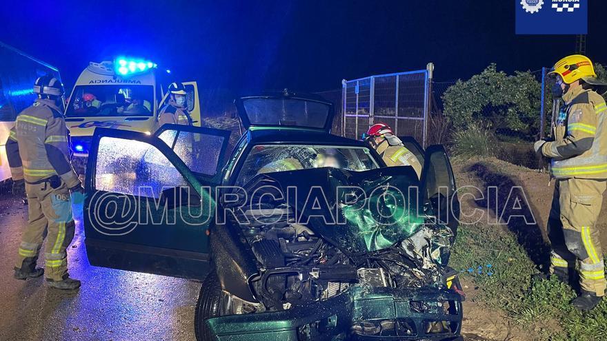 Herido al colisionar con un autobús en Murcia