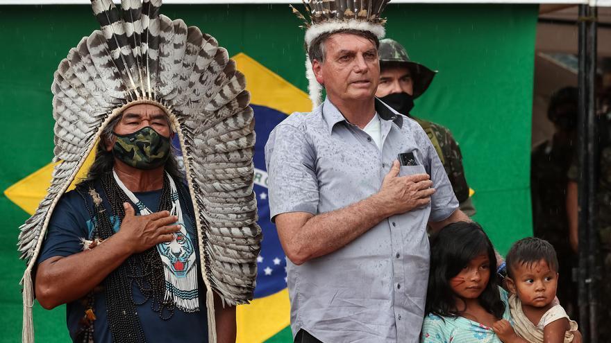 Los pueblos indígenas de Brasil presentan una denuncia por genocidio contra Bolsonaro