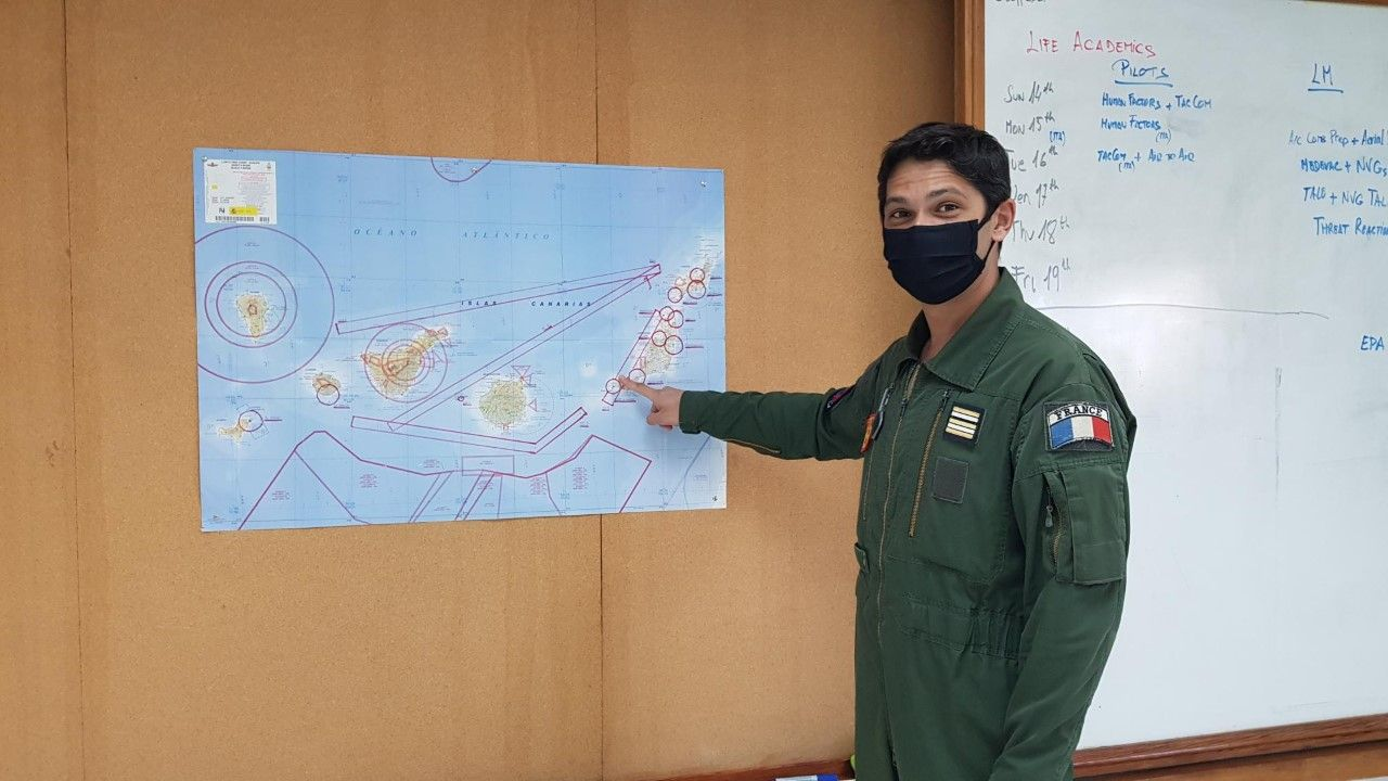 Fran�ois Benjamin, jefe de instructores de vuelo t�ctico.jpg