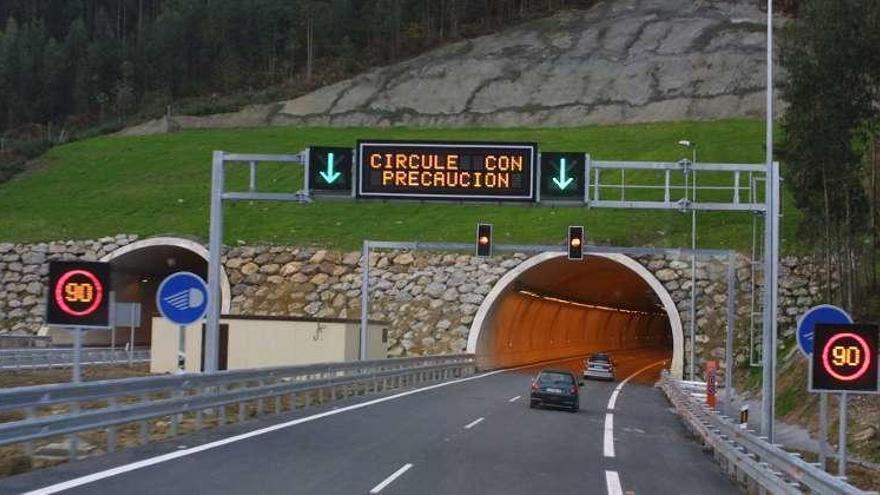 El túnel de Fabares en sentido Villaviciosa cerrará ocho horas la próxima madrugada