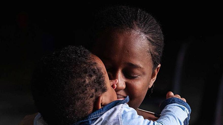 El Defensor del Pueblo investiga la separación de hijos y madres migrantes