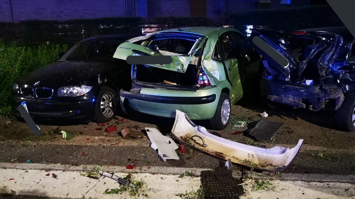Estado en el que quedaron algunos de los vehículos tras la colisión.