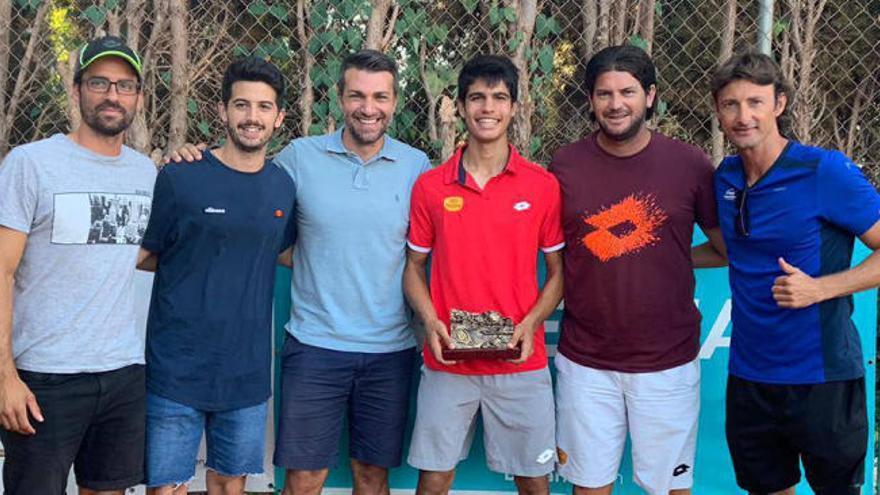 Un tenista de 16 años roza la precocidad de Rafa Nadal