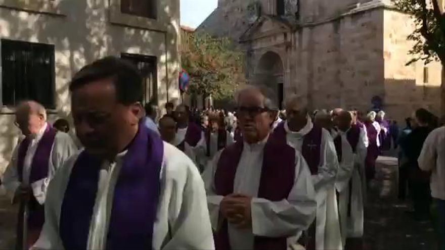 Entierro de obispo de Zamora: 30 obispos despiden a don Gregorio Martínez Sacristán