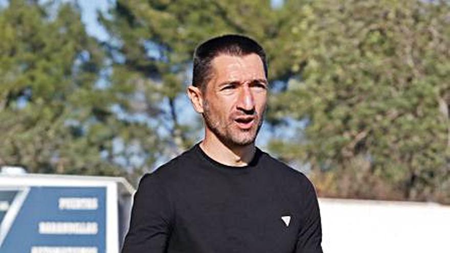 Casañ: «El Alcoyano no propone mucho pero tiene las cosas claras»