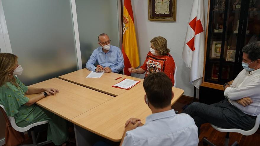 Aguas de Murcia destinará a Cruz Roja un euro por cada nueva alta de usuarios en la web