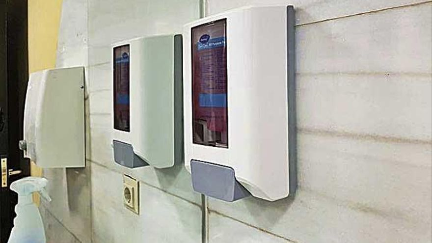 La alarma por el coronavirus llega a los baños de Cort