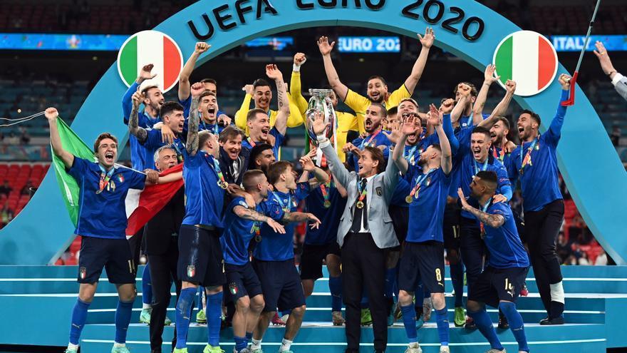 Italia celebra su segunda Eurocopa