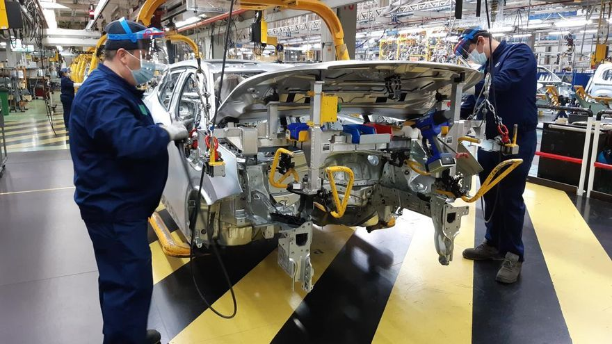 Alimentación, energía y motor elevan su peso en la industria gallega, con el 60% del negocio