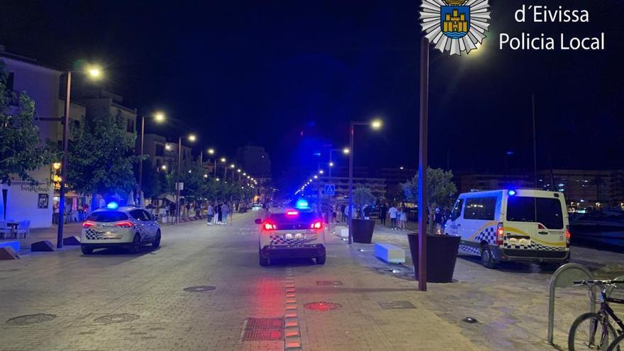 33 denuncias en Ibiza por hacer botellones