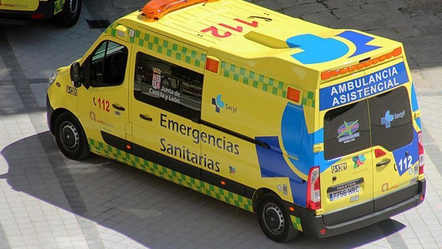 Cuatro heridos por la colisión de dos turismos en Valladolid