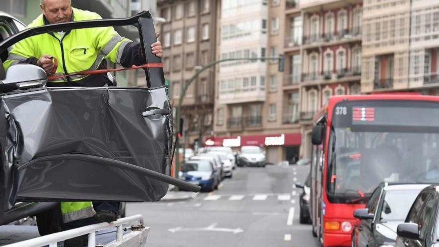 Los autobuses de Tranvías registraron más de un accidente al día el pasado año
