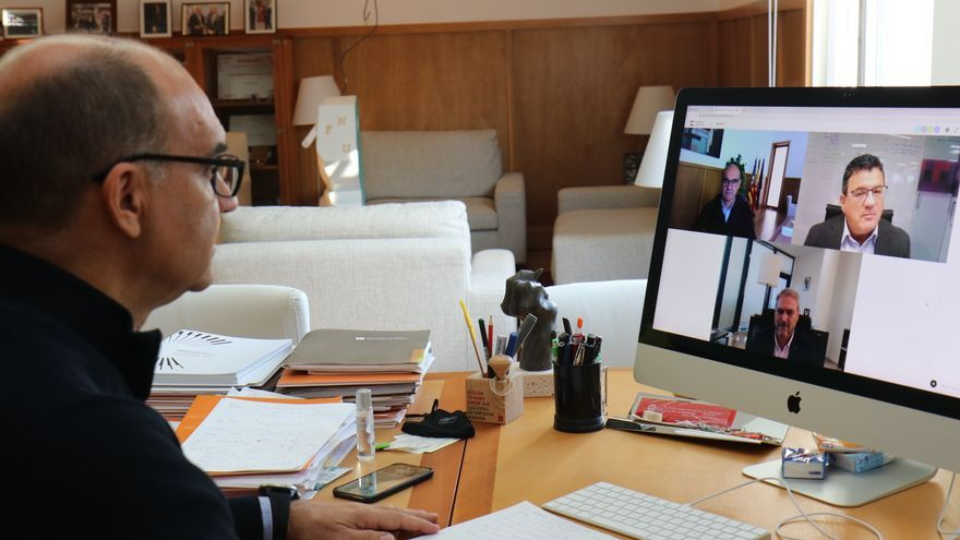 """""""Converses de futur"""" con los rectores de la UA y la UMH"""