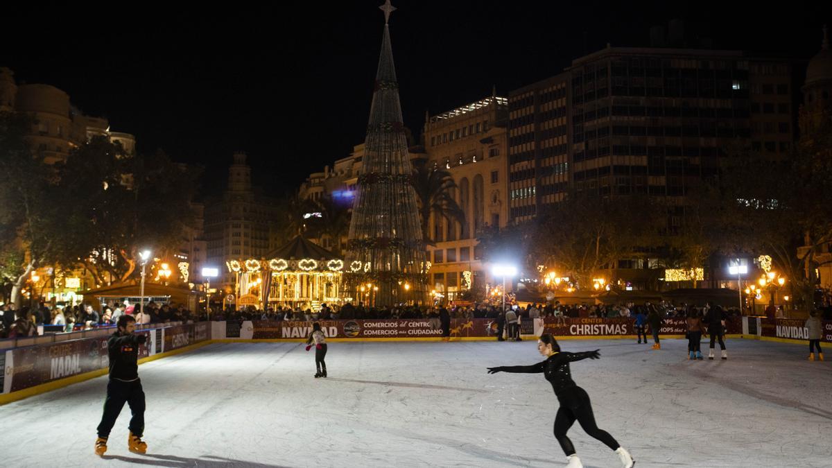 Pista de hielo de la plaza municipal de València.