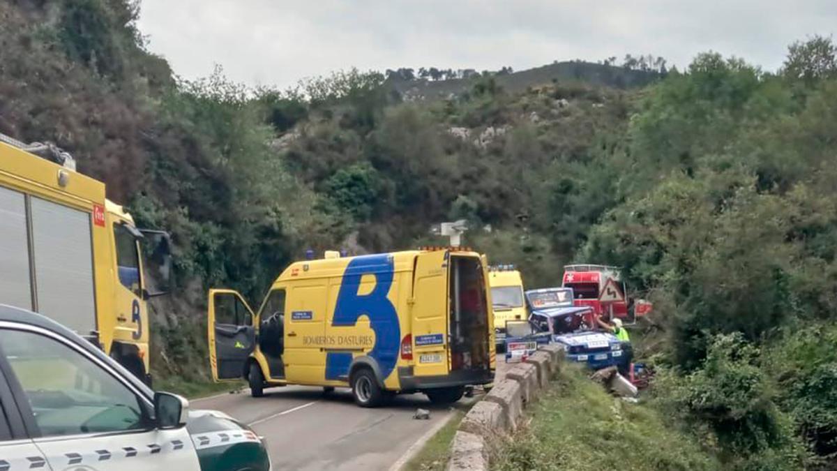 Momento del accidente del Seat de Jaime Gil y Diego Calvo. A. I.