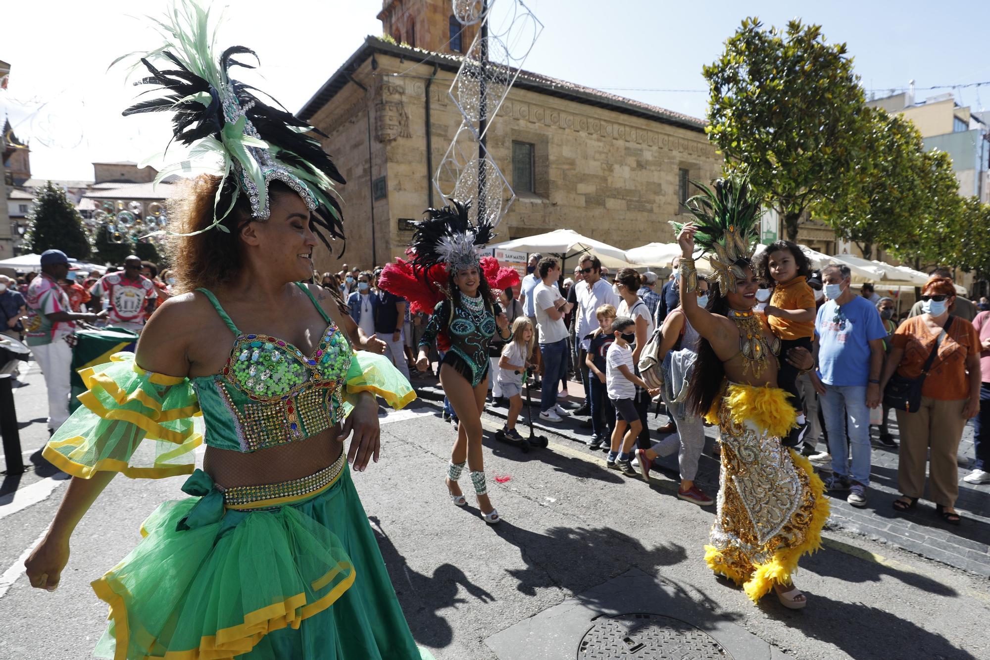 El mini desfile del Día de América en Asturias de San Mateo 2021