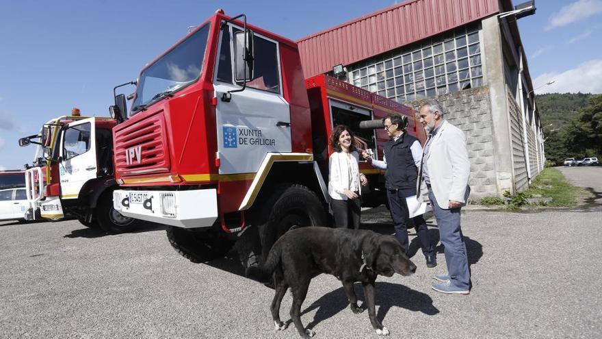 La Xunta entrega un camión motobomba a Oia para luchar contra los incendios forestales