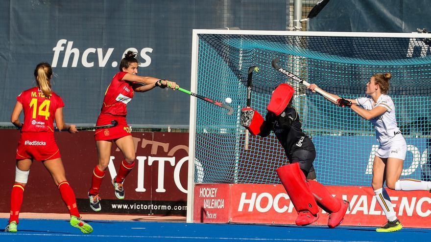La selección femenina de hockey encaja su segunda derrota ante Argentina