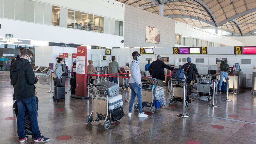 La Autoridad Aérea Mundial certifica que el aeropuerto de Alicante-Elche es un espacio seguro frente al covid