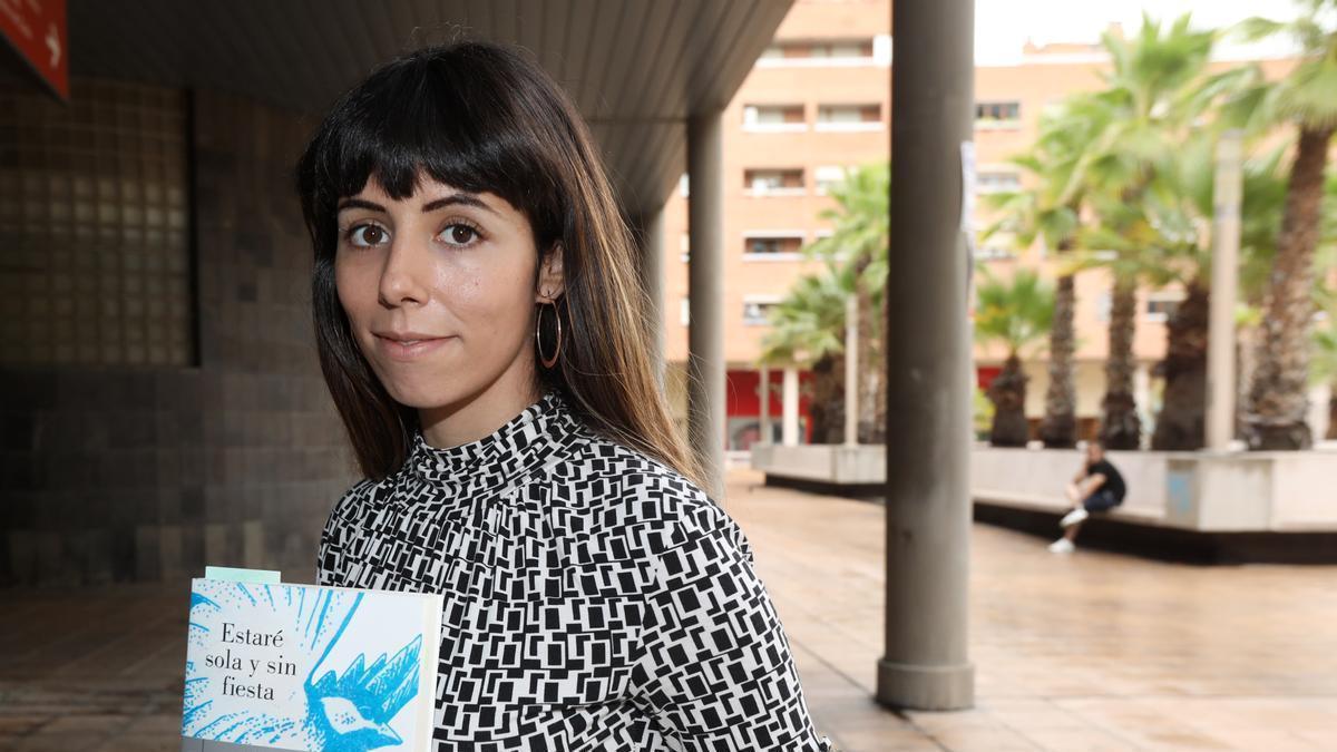 La escritora Sara Barquinero, este martes en Zaragoza.
