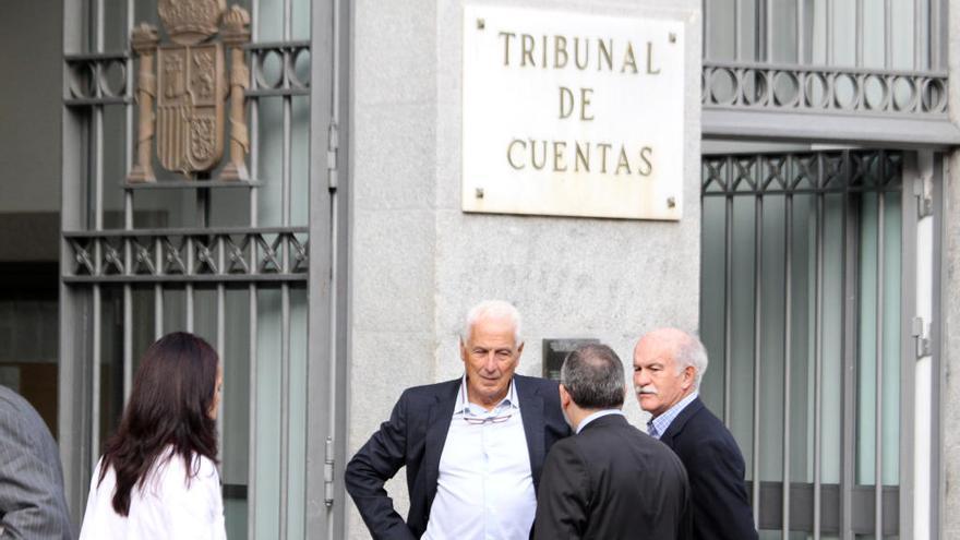 Rexach y Rato, a juicio penal por la ampliación del puerto pese a librar en el Tribunal de Cuentas