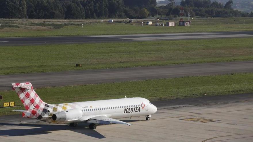 Un vuelo Asturias - Venecia deja en tierra a mitad del pasaje y al resto, en Verona y sin maletas