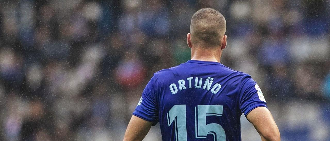 Ortuño, con el Oviedo.